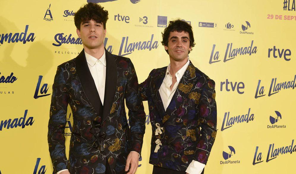 Foto: Javier Calvo y Javier Ambrossi durante la 'première'. (Gtres)