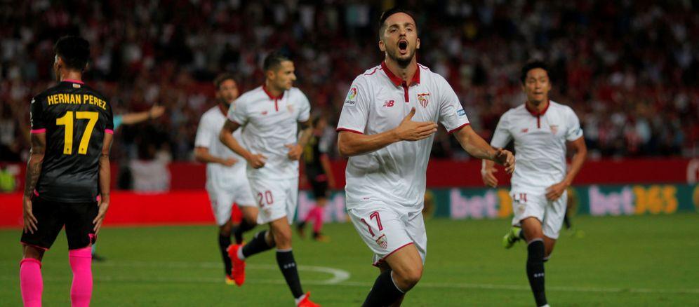 Foto: Pablo Sarabia está siendo la gran revelación del Sevilla en este arranque de temporada (Reuters)