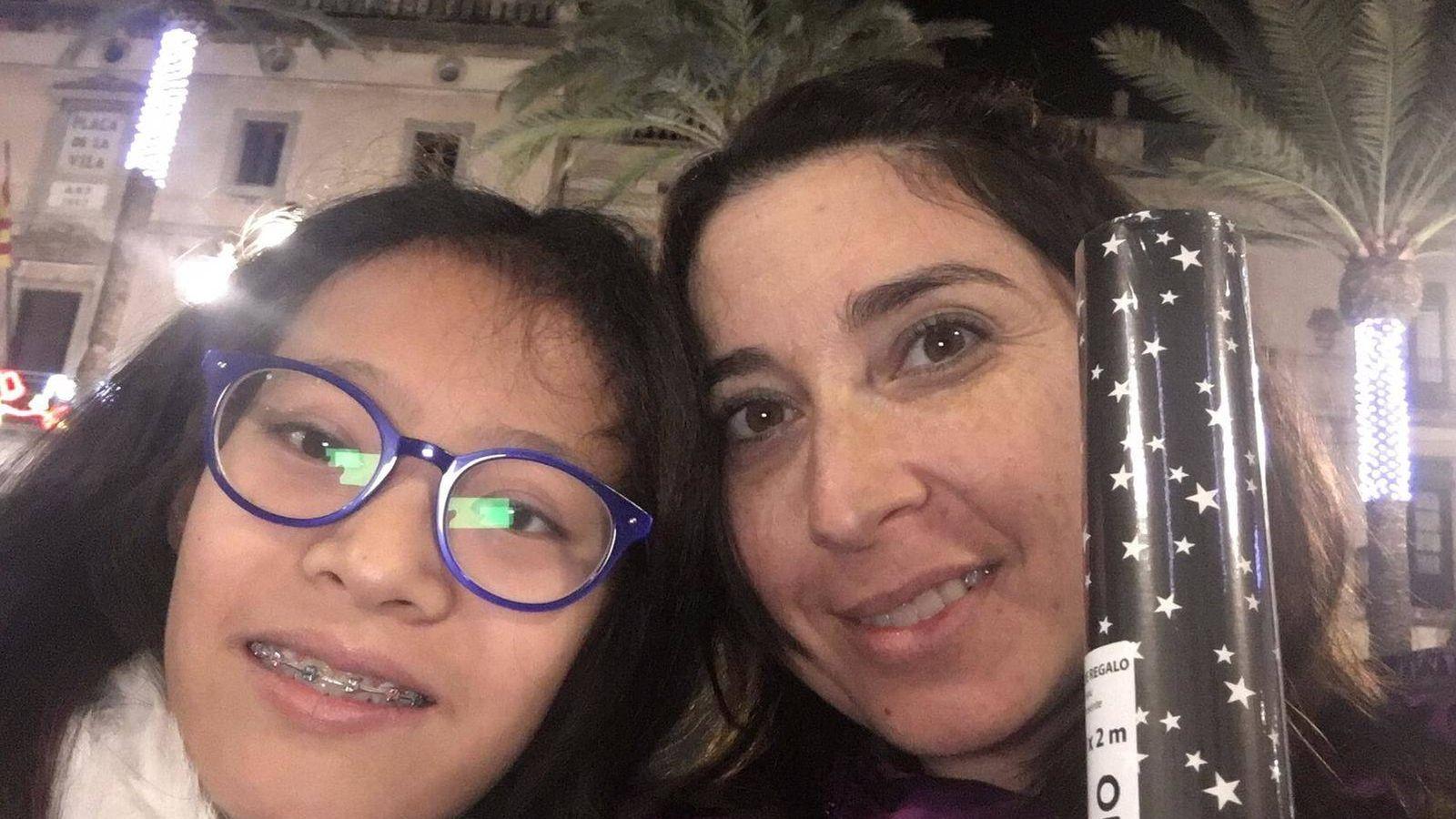Foto: Laia y su madre, Sonia.