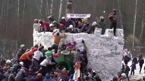 Moscú celebra la primavera con una batalla en la nieve