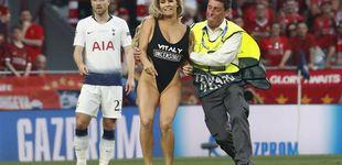 Post de La espontánea en bañador que se coló en la final de la Champions League