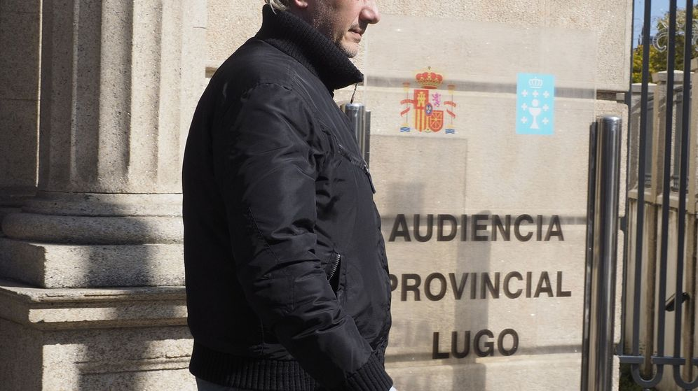 Foto: Jorge Dorribo, a su salida de la Audiencia Provincial de Lugo. (EFE)