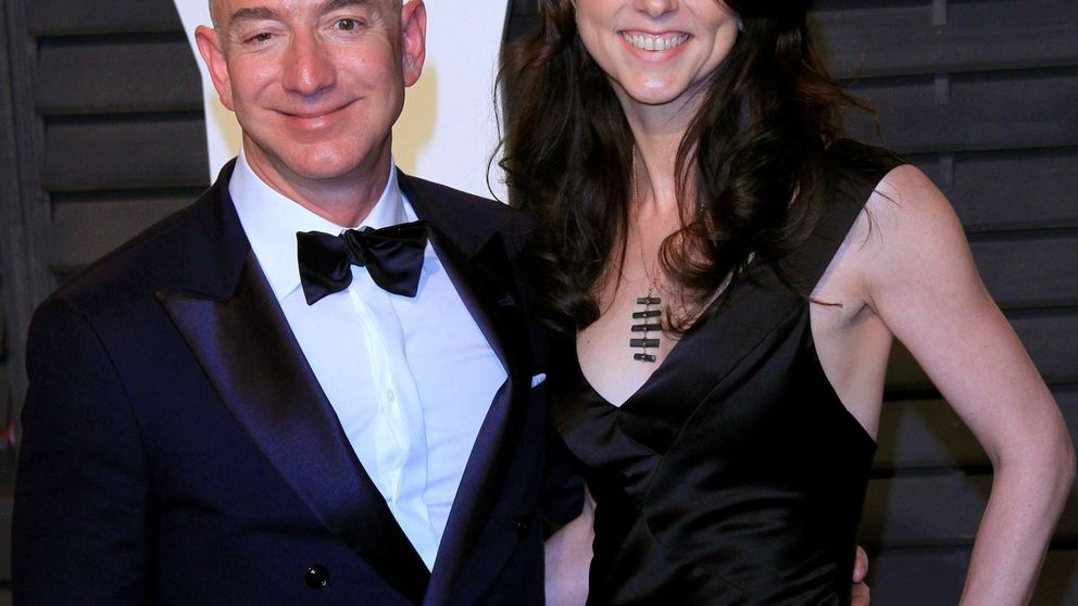 Diez fotos 'calientes' de Jeff Bezos y Lauren Sanchez, en el foco del chantaje