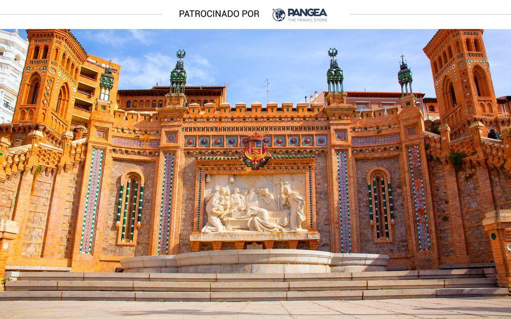 Foto: Escalinata neomudéjar en Teruel, fechada en el siglo XX (Shutterstock)