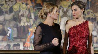 Letizia elige el color rojo para demostrar a la Gaviota quién es la Reina