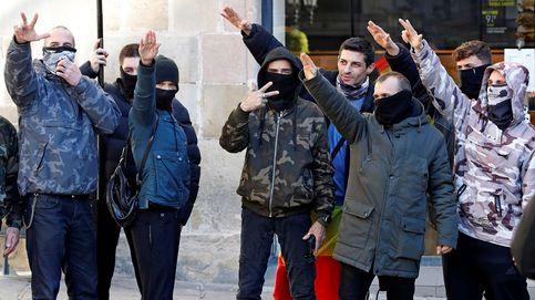 Colau denuncia ante la Fiscalía la exaltación del fascismo y el nazismo al acabar el acto de Vox