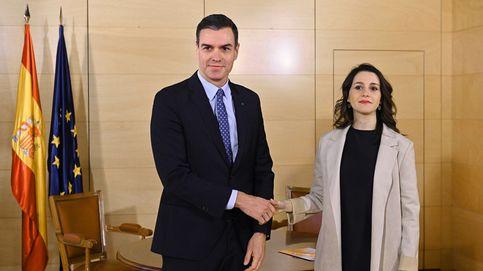 Arrimadas: Si Sánchez quiere rectificar y abre la puerta, el PP se tendrá que sentar