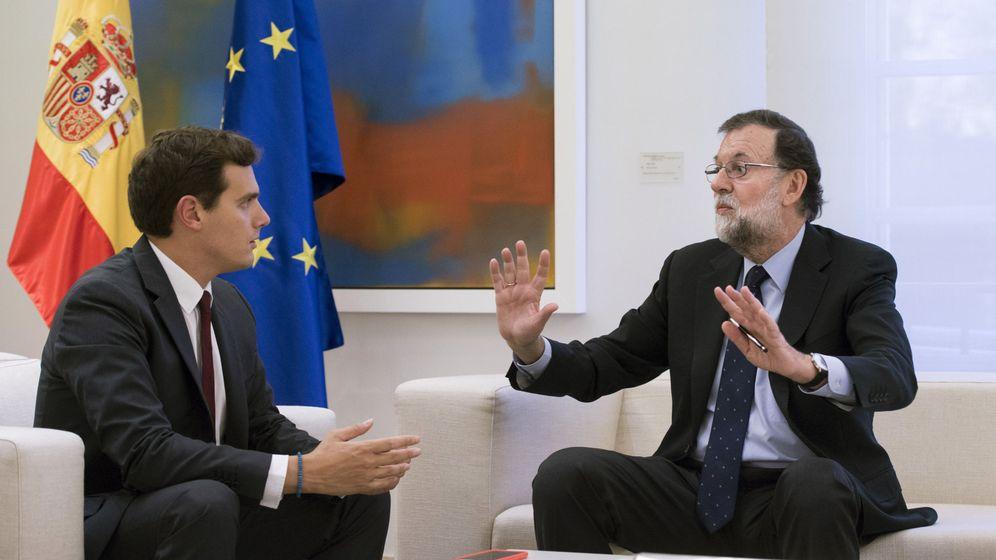 Foto: Imagen de una reunión entre Rajoy y Rivera en La Moncloa. (EFE)