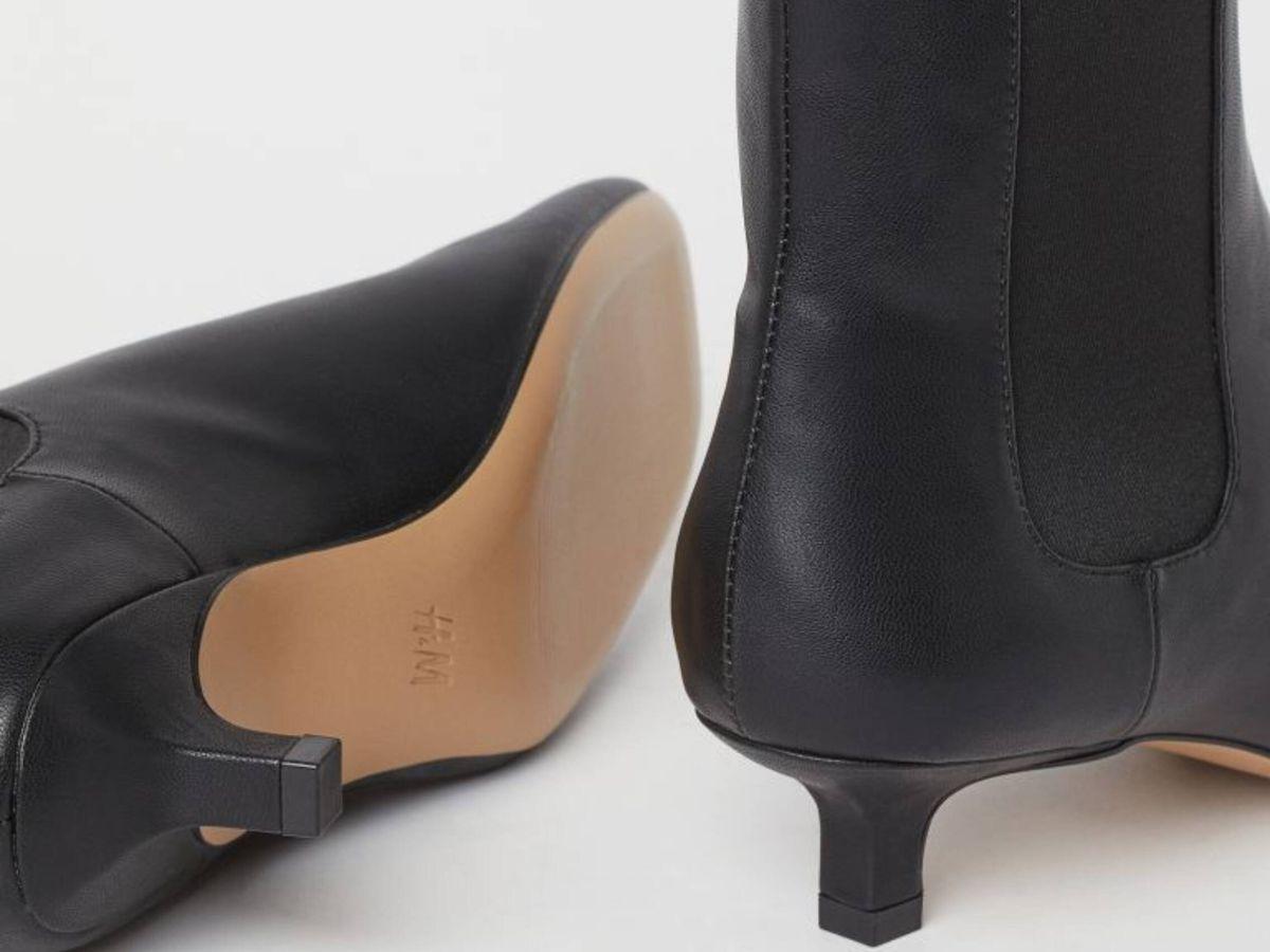 Foto: Los nuevos botines negros, cómodos y low cost de HyM. (Cortesía)