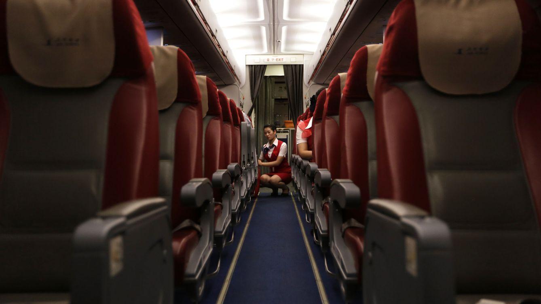 Soy azafata y no me atrevo a abrir la boca: ¿Qué temen las auxiliares de vuelo?