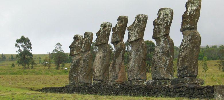 Foto: Estatuas moái en la Isla de Pascua (CC)