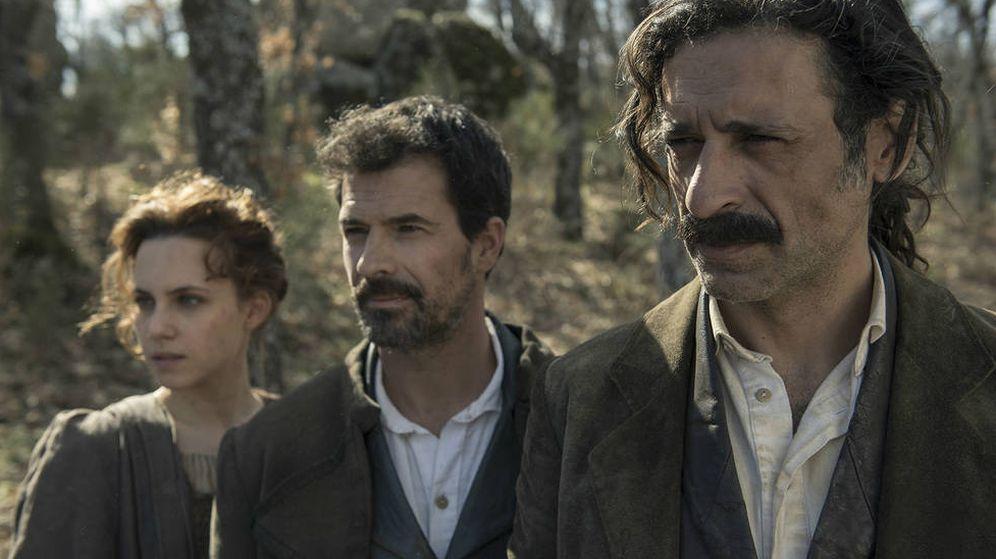 Foto: Amelia (Aura Garrido), Julián (Rodolfo Sancho) y Alonso (Nacho Fresneda), en 'El Ministerio del Tiempo'.