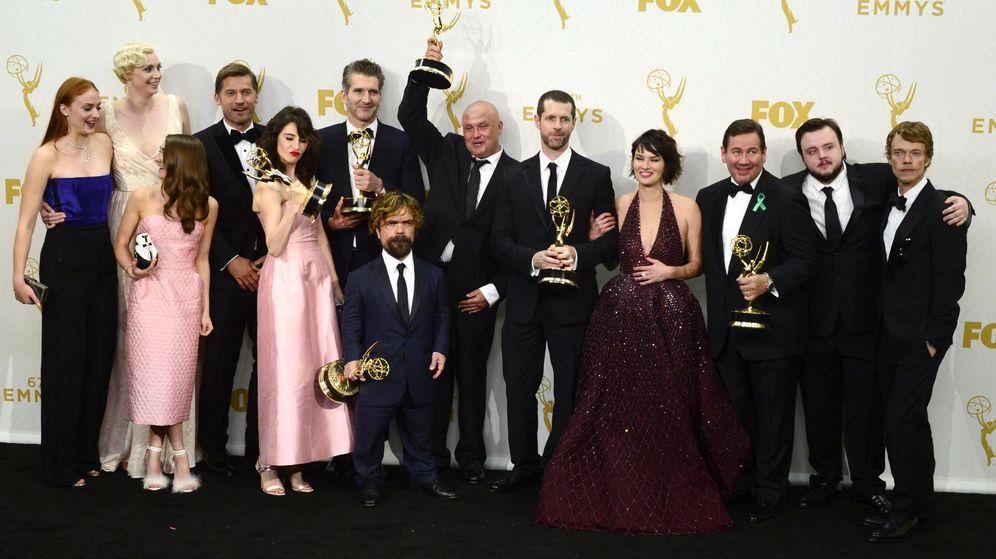 Foto: El reparto de 'Juego de Tronos' posando tras la 67ª edición de los premios Emmy
