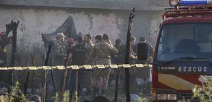 Post de Al menos 17 muertos en un accidente de una avioneta del Ejército en Pakistán