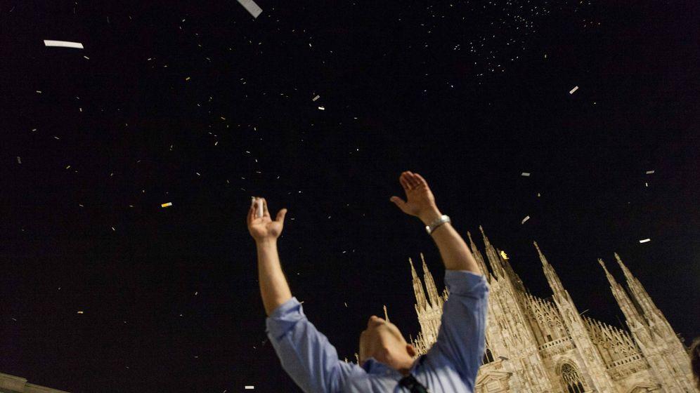 Foto: 'Bombardeo de poemas' en Milán   Foto: Festival Poetas