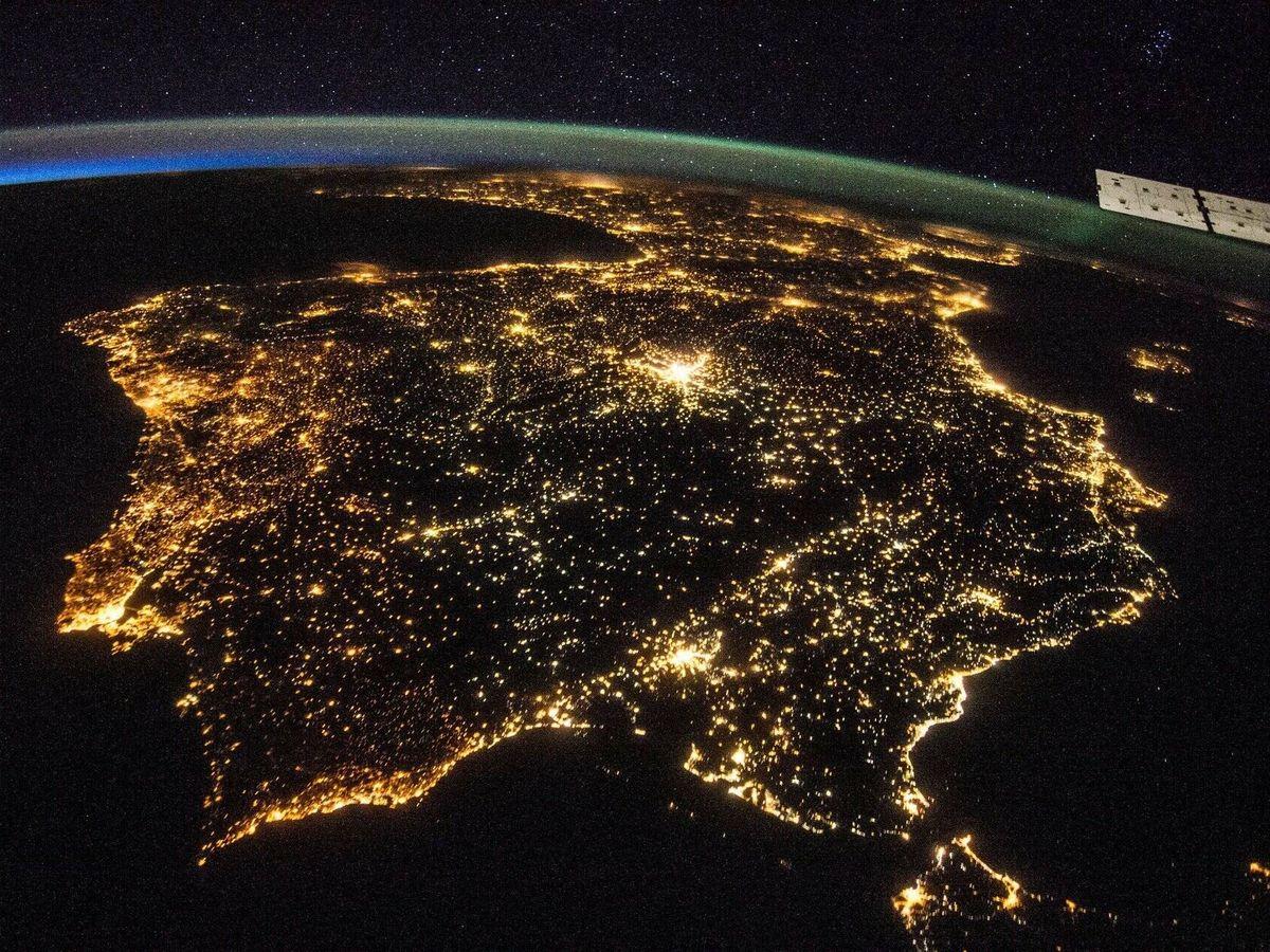 Foto: Luces nocturnas en la Península. Foto: ESA