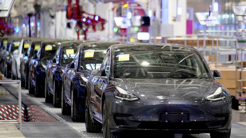 Foto: Cadena de montaje del Model 3 de Tesla, en su factoría de Shanghái. (Reuters)