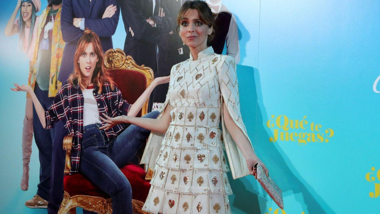 Leticia Dolera posa con el vestido de Helbig. (EFE)