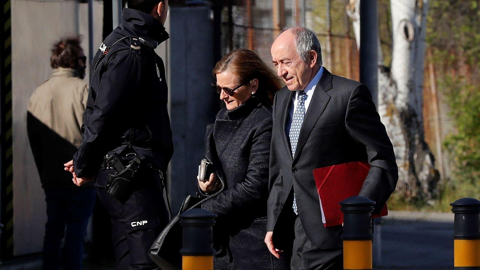 Foto: Miguel Ángel Fernández Ordóñez, exgobernador del Banco de España, en la Audiencia.