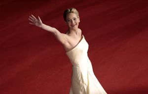 Roban fotos comprometidas a Jennifer Lawrence, Kate Upton...