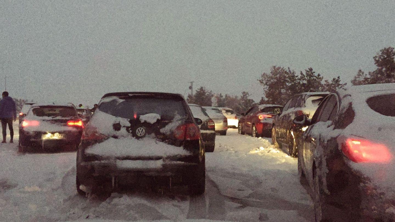 Los conductores estuvieron horas atrapados. (EFE)