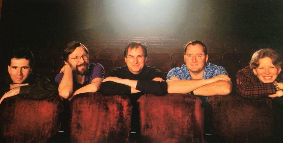 Foto: El equipo directivo de Pixar en 1995, de izquierda a derecha: Lawrence Levy, Ed Catmull, Steve Jobs, John Lasseter y Sarah McArthur.