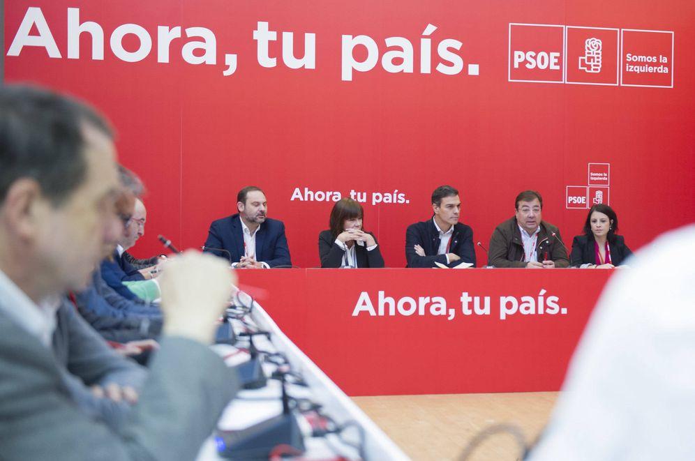 Foto: Pedro Sánchez preside la primera reunión del consejo político federal del PSOE tras el 39º Congreso, el 11 de noviembre de 2017 en Alcalá de Henares. (Inma Mesa | PSOE)