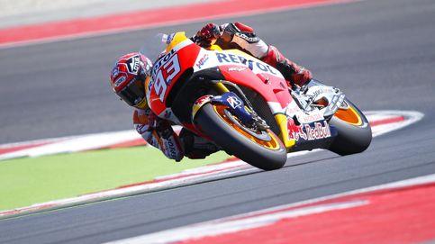 Márquez vuelve a sonreír: aprovecha la lluvia y la caída de Lorenzo para ganar