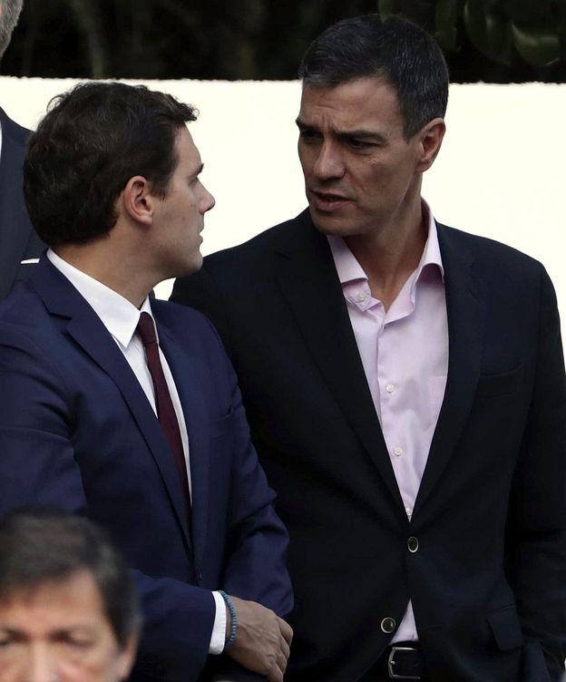 Foto: Pedro Sánchez y Albert Rivera, el pasado 12 de octubre en el desfile del Día de la Fiesta Nacional. (EFE)
