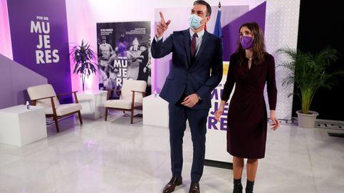 Sánchez reclama unidad bajo la bandera feminista y frente al odio de la ultraderecha