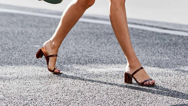 Las sandalias ideales para la ofi de Massimo Dutti que pueden ser tuyas por 25 euros