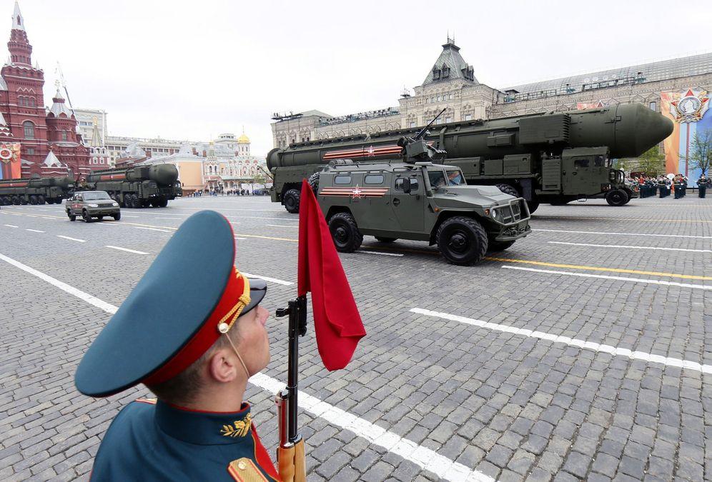 Foto: Un vehículo lanzamisiles Yars desfila durante el ensayo final para el Día de la Victoria, el 6 de mayo de 2018. (Reuters)