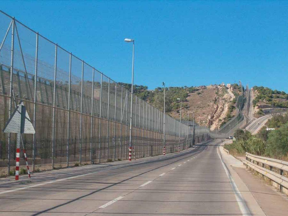Foto: Valla de Melilla. (Wikimedia Commons)