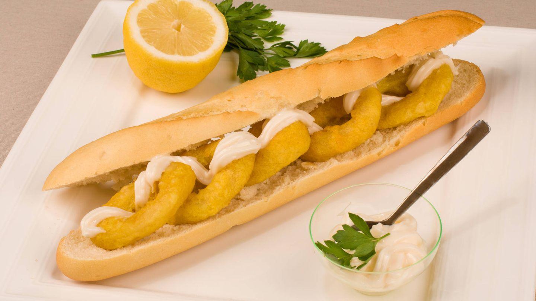 La mayonesa es perfecta para acompañar un bocata de calamares (Foto: iStock)