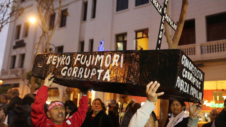Protestas contra la corrupción en Perú. (Reuters)