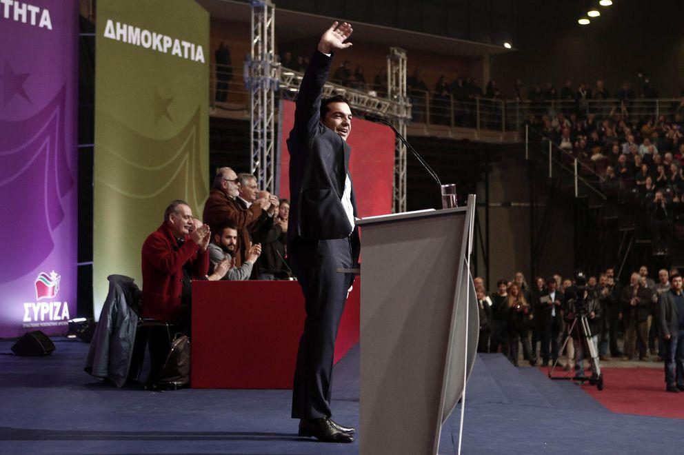 Foto: Alexis Tsipras, líder de Syriza, saluda a simpatizantes durante un congreso de la formación en Atenas el pasado 3 de enero (Reuters).
