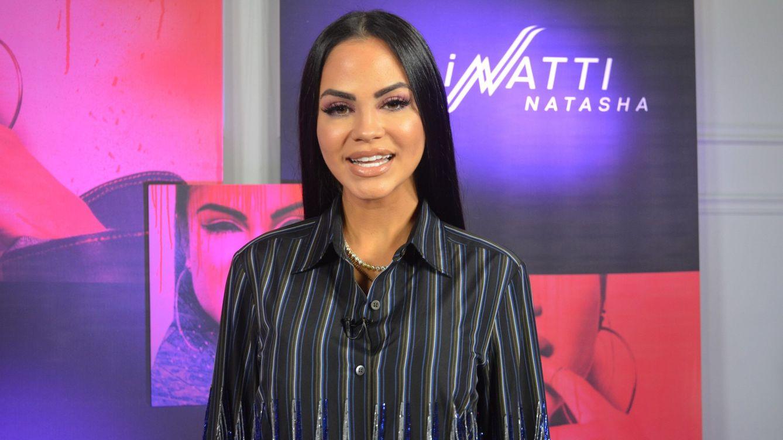 Natti Natasha sorprende al anunciar que está embarazada en plena actuación