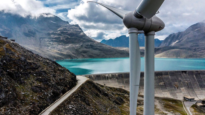 Parque eólico más elevado de Europa en Griessee, en los Alpes suizos (EFE)