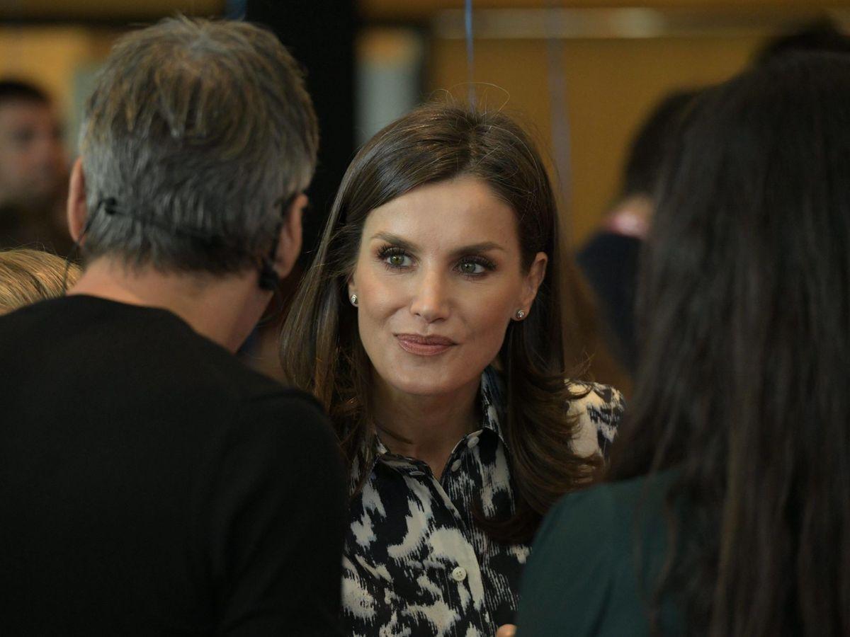 Foto: La Reina, en uno de los talleres de los Premios Princesa de Girona. (CP)