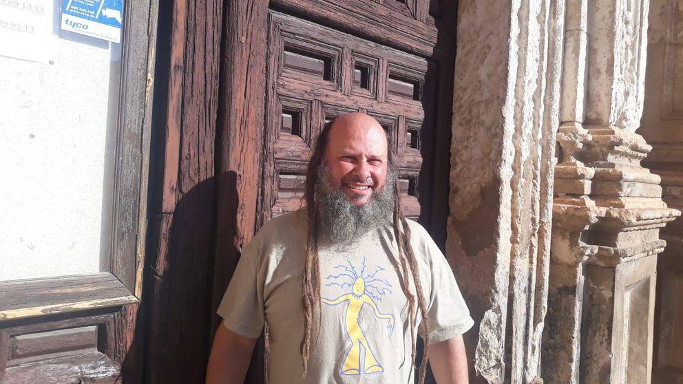 El sacerdote 'trash metal' de Jadraque: 'Dios nos odia a todos' era un temazo