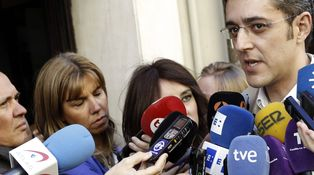 Arranca la batalla de los equipos ante las primarias del PSOE