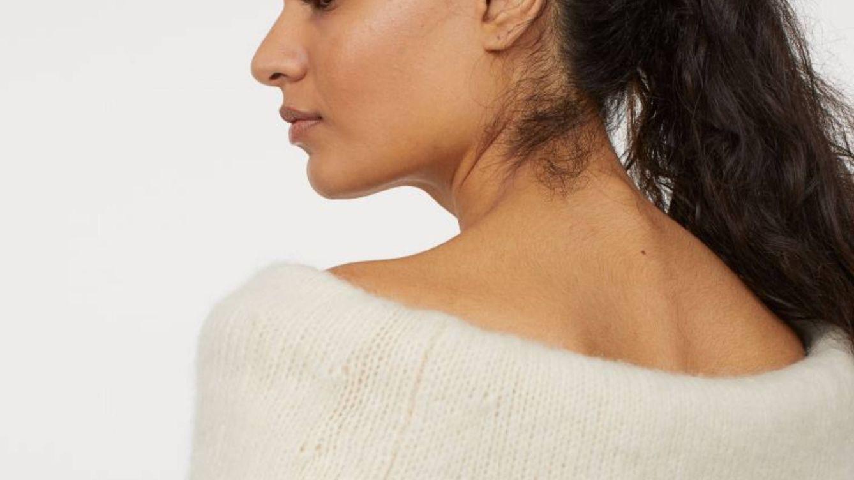 Ni siquiera el frío va a impedir que presumamos de hombros con este jersey sexy de H&M