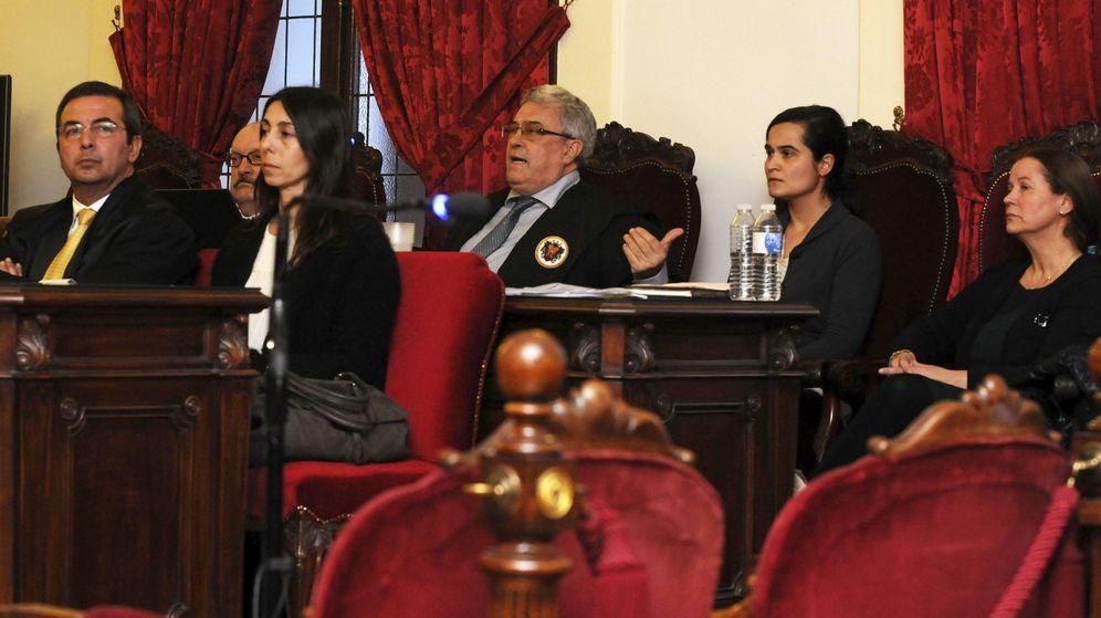 Foto: Las tres acusadas en el juicio. (EFE)