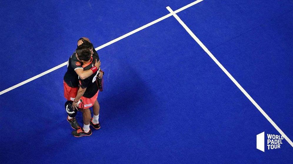 Foto: Bela y Tapia celerabn la victoria de cuartos. (WTP)