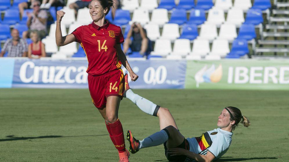 Foto: La jugadora de la selección española Viky Losada (i)celebrando un gol en un partido amistoso ante Bélgica. (EFE)