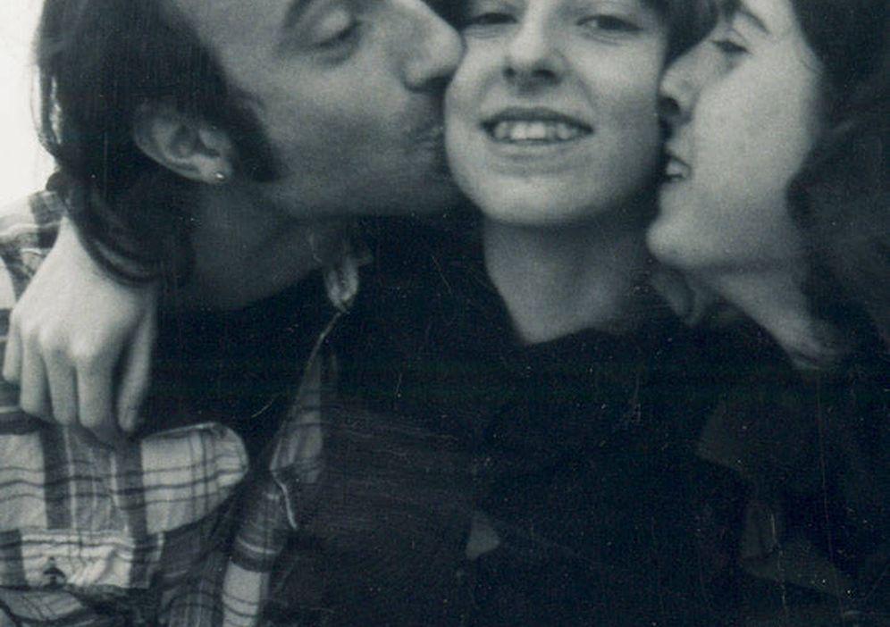 Foto: Helena Jubany (centro) junto a sus hermanos Joan y  Diana. (Foto cedida)
