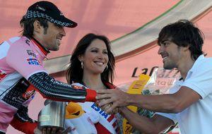 Los obstáculos que tiene Alonso para 'fabricar' su equipo ciclista
