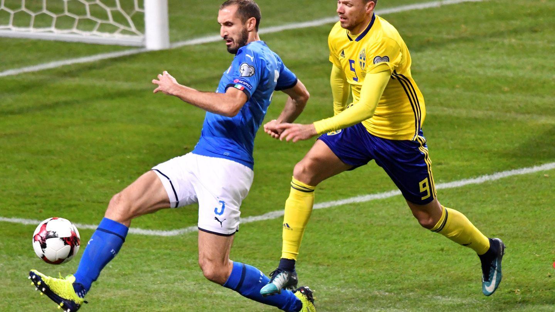 Giorgio Chiellini, en un partido contra la selección sueca   Reuters