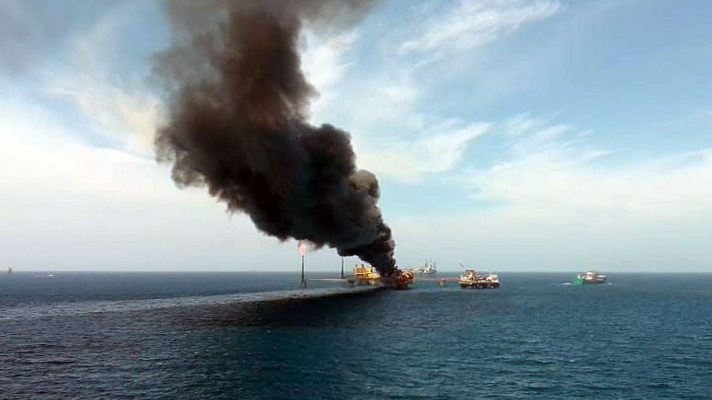 Un incendio en una plataforma petrolera en el Golfo de México deja al menos 5 heridos