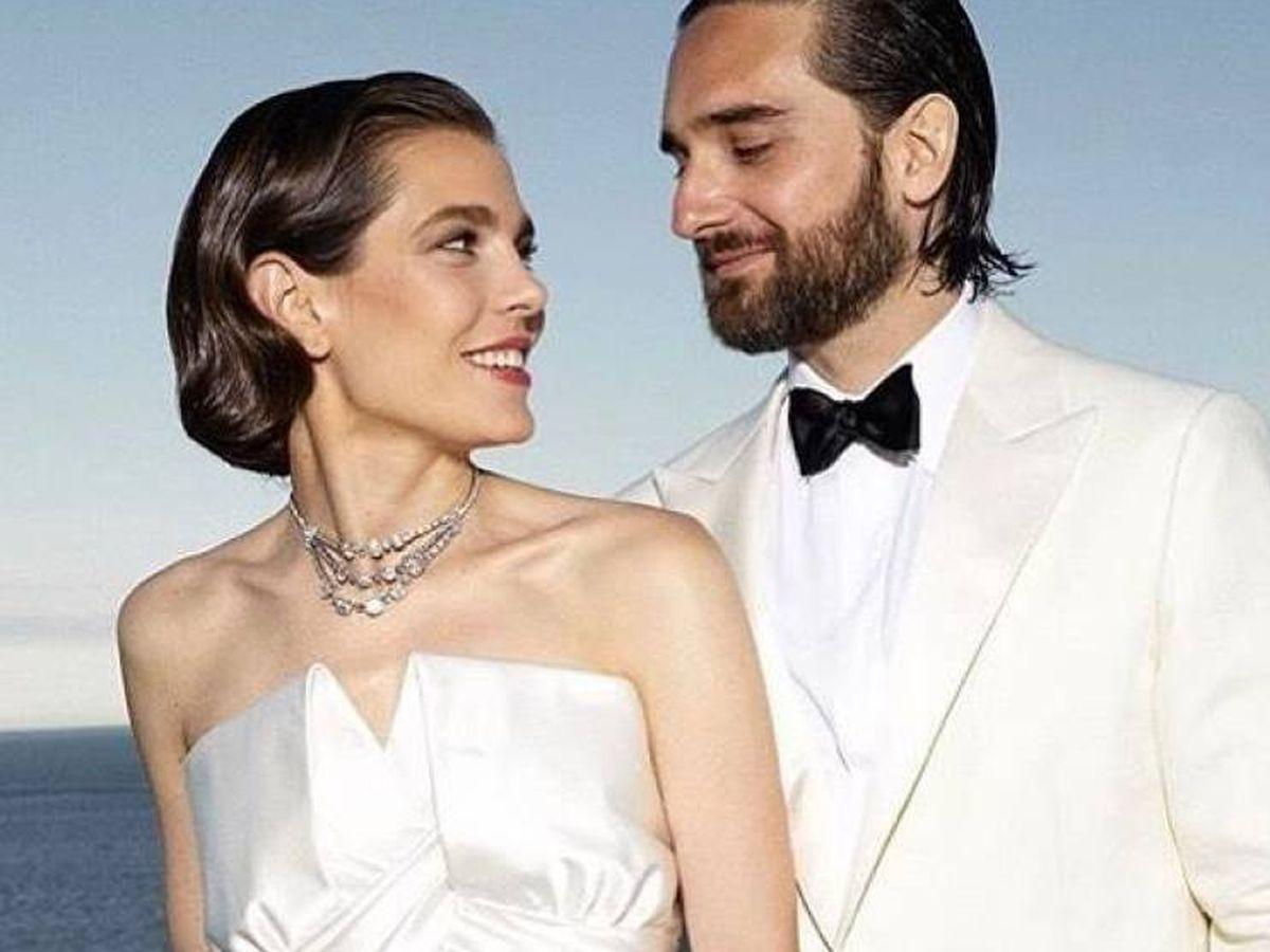 Foto: Carlota Casiraghi y Dimitri Rassam, el día de su boda. (Fotos oficiales)